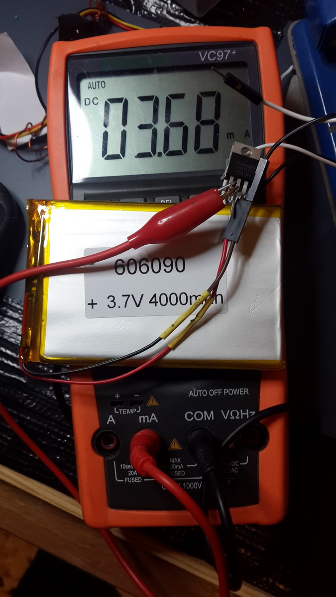 LM1117 open circuit current with li-ion battery
